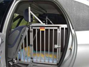 italienische hunde transport im auto. Black Bedroom Furniture Sets. Home Design Ideas